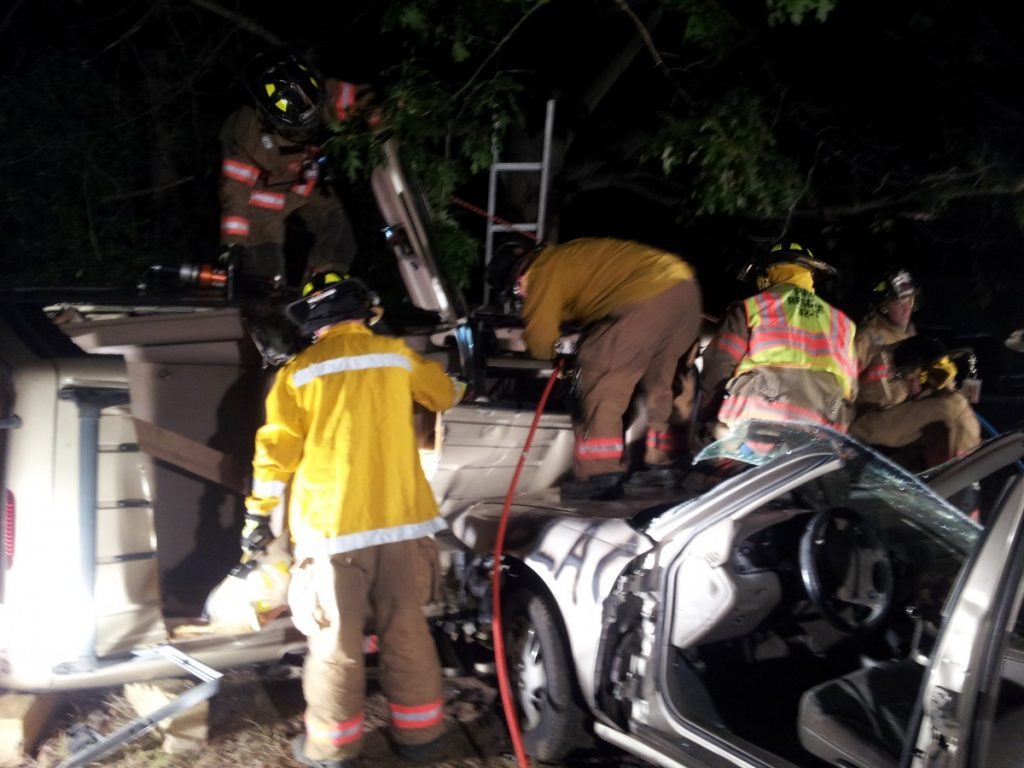Millstone Fire Practicing on Extrication